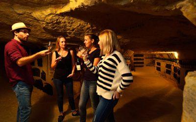 Juillet – Août: visite des caves troglodytes!